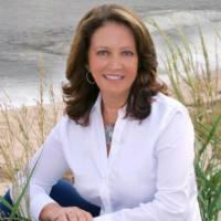 Tina Holt